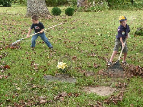 005-scouts-cemetery-cleanup.jpg